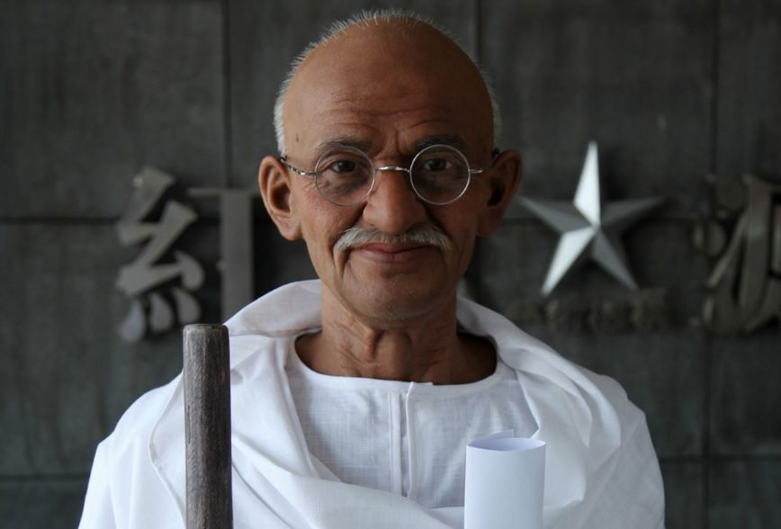the life and influence of mohandas karamchand gandhi Mohandas karamchand gandhi's non-violent philosophy led his followers to   went on to influence his political advocacy of peaceful resistance  on the dr  rath health foundation's international movement of life project.
