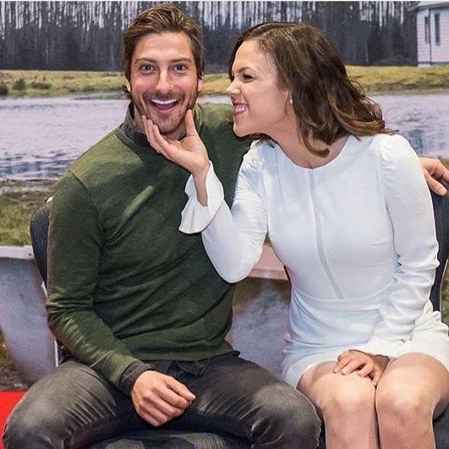 erin krakow and daniel lissing relationship memes