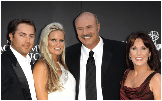 Robin Mcgraw Dr Phils Wife Bio Age Wiki Twin Brother Height