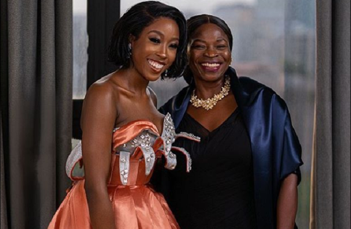 Actress Beverly and her mother